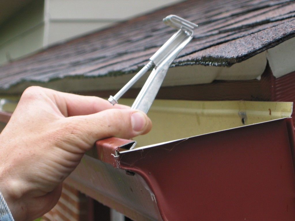 Gutter Repair Discover Your Options For Gutter Repairs Everything Gutter