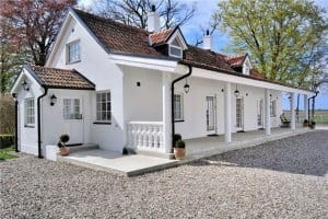 Tranquil-Classic-House-Architecture1